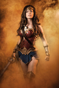 1125x2436 Cosplays Wonder Woman 4k