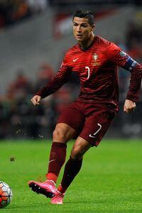 Christiano Ronaldo 1080x1920 Resolution Wallpapers Iphone 7