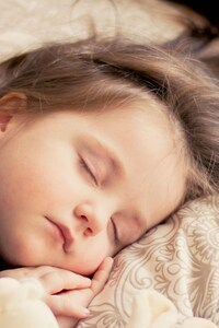 1080x2280 Cute Child Sleeping