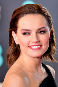 240x400 Daisy Ridley Smiling Premiere Famous Actress
