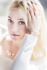 1242x2688 Dakota Fanning New 2019