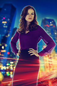 Danielle Panabaker As Caitlin In Flash Poster