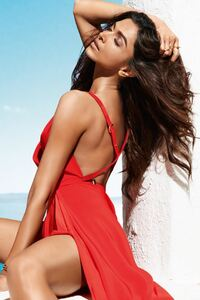 640x960 Deepika Padukone Vogue 2016