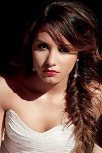 640x1136 Demi Lovato 5
