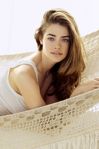 1242x2688 Denise Richards Instyle 5k