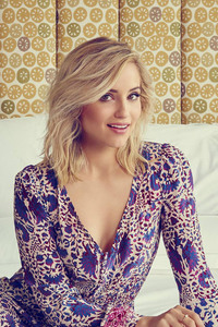 480x854 Dianna Agron Actress