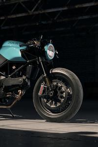 240x400 Ducati 916
