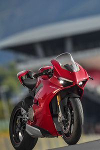 640x960 Ducati Panigale V4 S 2018