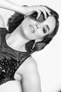 Elizabeth Henstridge Photoshoot