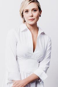 480x854 Elizabeth Olsen In White Dress