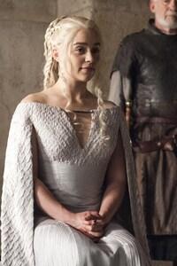 Emilia Clarke Daenerys