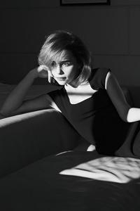 480x800 Emilia Clarke Harpers Bazaar Russia 4k