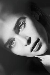 540x960 Emilia Clarke Harpers Bazaar Russia Photoshoot 4k