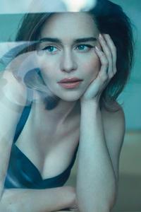 Emilia Clarke Harpers Bazaar Russia