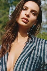 Emily Ratajkowski Closeup
