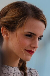 480x800 Emma Watson 5