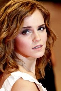Emma Watson Looking Behind