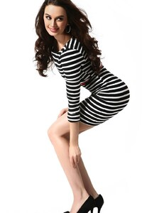 320x480 Evelyn Sharma 3