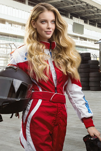 750x1334 F1 Female Driver