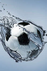 2160x3840 Football Water Splash