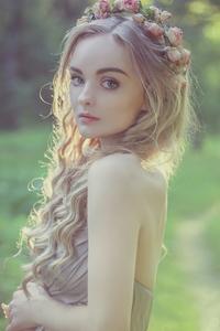 320x568 Forest Beauty Queen