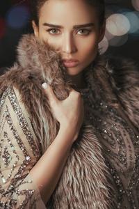 Fur Overcoat Girl 4k
