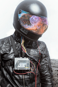540x960 Galaxy Helmet Guy