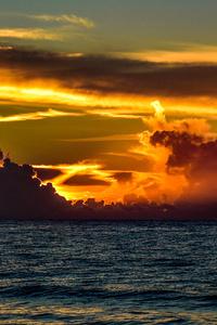360x640 Garden City Beach Sunrise Clouds 5k