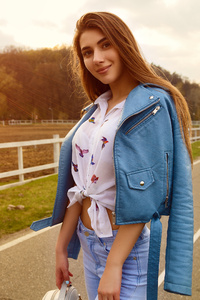 640x1136 Girl Blue Jacket Jeans Smiling 4k