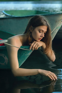 480x800 Girl Boat Lake Silence