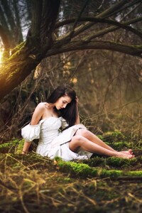 480x800 Girl Forest Photography