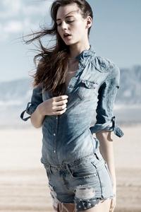 320x568 Girl Formal Shirt Shorts 4k