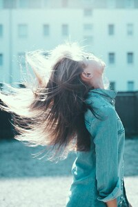 1440x2560 Girl Hairs In Air