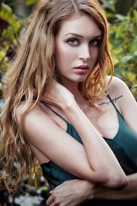 320x568 Girl In Nature Long Golden Blonde Hair 4k
