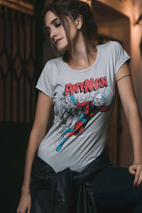 1125x2436 Girl In Superhero Tshirt