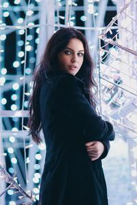 Girl Model Winter Night 5k
