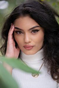 1080x1920 Girl Natural Light Portrait Autumn 5k