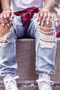 1080x2280 Girl Style Shoes Jeans