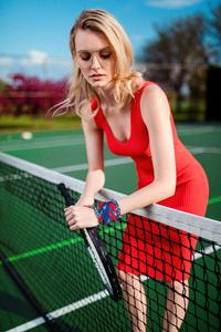 1440x2960 Girl Tennis Court Glasses 5k