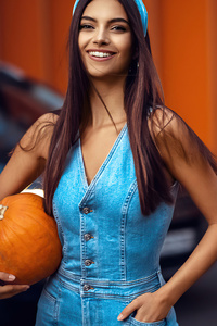 540x960 Girl With Halloween Pumpkin 5k