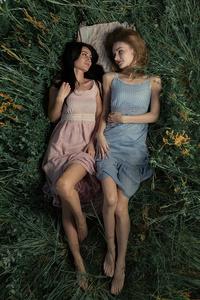 480x854 Girls Lying Back In Nature 5k