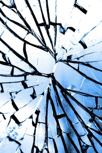 2160x3840 Glass Crack Broken Glass
