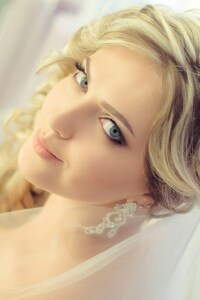 240x320 Gorgeous Blonde Bride