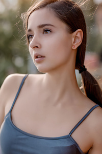 1440x2960 Gorgeous Brunette 4k