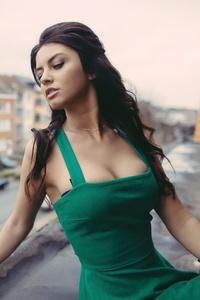 Green Dress Model