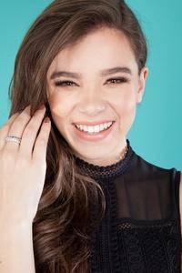 Hailee Steinfeld Cute Smile