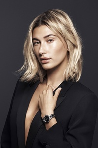 2160x3840 Hailey Baldwin Daniel Wellington 2019