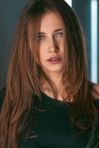 640x960 Hair In Face Brunette