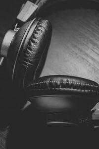1440x2560 Headphones Monochrome