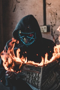 480x800 Hidden Mask Guy Burning Newspaper